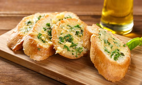 Toasted garlic cheesy bread