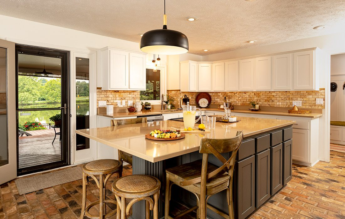 Interior photo of kitchen at Van Eps home in Southern Hills