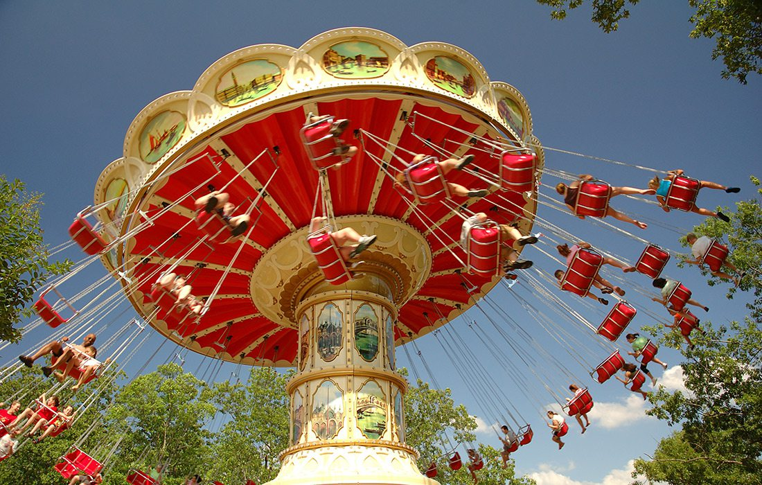 Wave Swinger ride at Silver Dollar City in Branson MO
