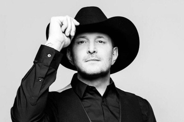 Black and white photo of Ty Herndon