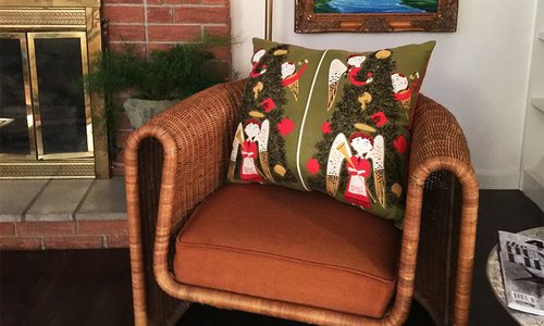 DIY: Sew Your Own Holiday Pillows