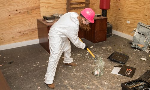 smashing things at the rage room in springfield