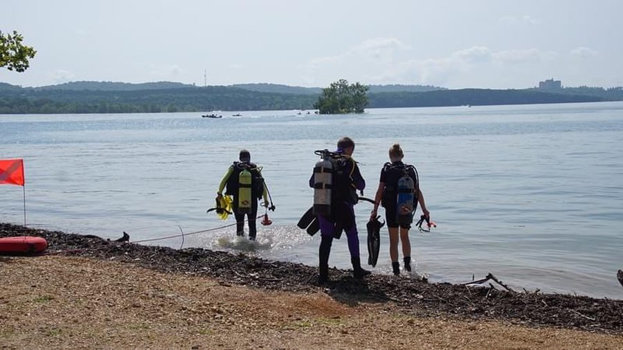 Scuba diving at Jake's Island on Table Rock Lake