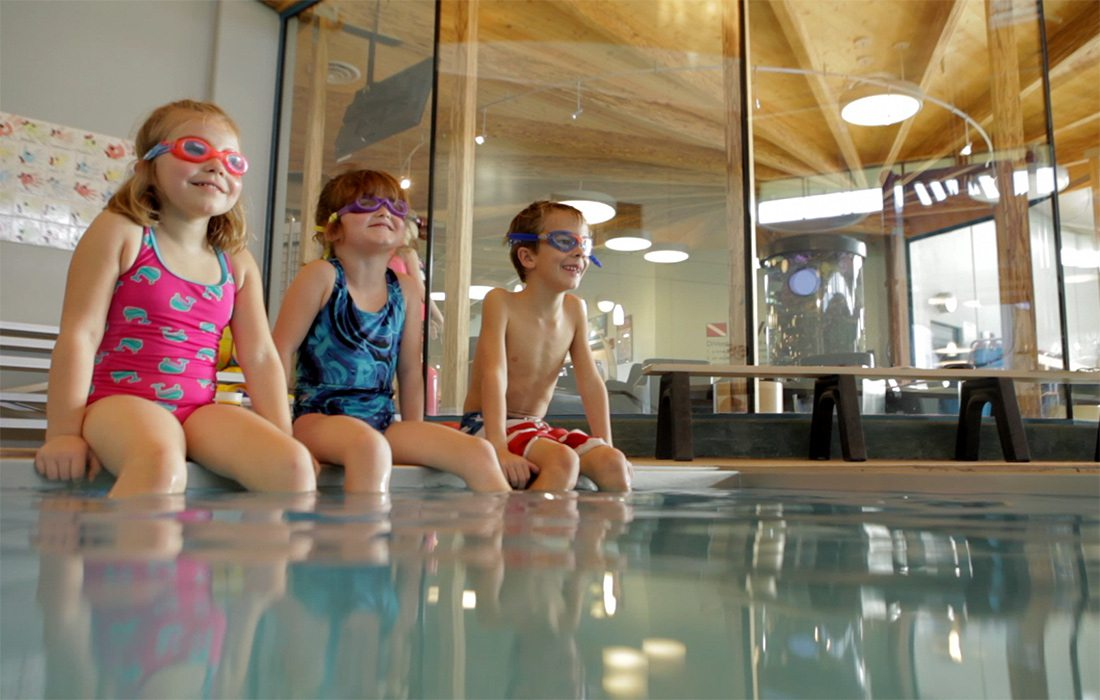 Kids swimming lessons swimming pool