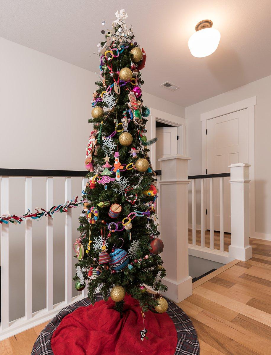 tall christmas tree in springfield mo