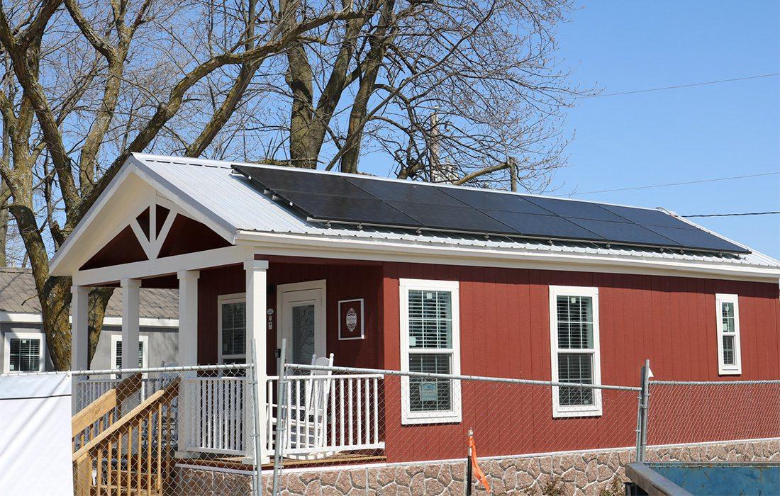 Sun Solar donates to Eden Village