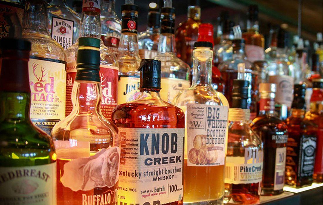 whiskey tasting at Big Whiskey's