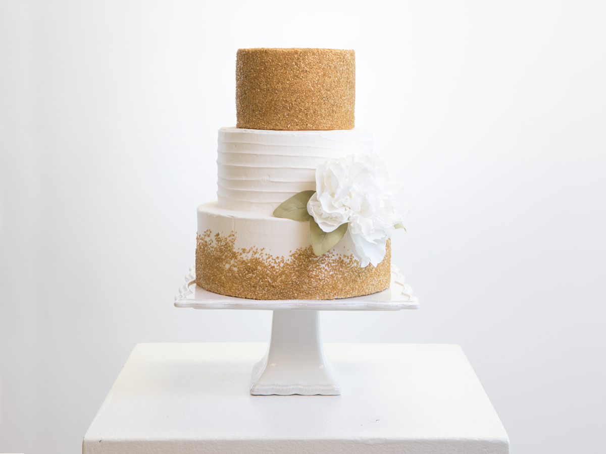 Artistic Wonders: Wedding Cakes that Steal the Show